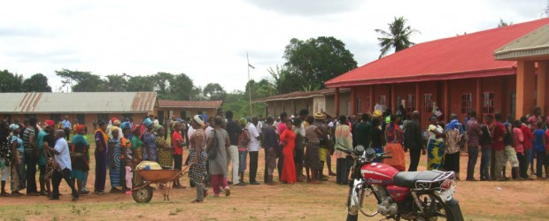 People voting in Ewu, Edo State in Nigeria's 2015 elections